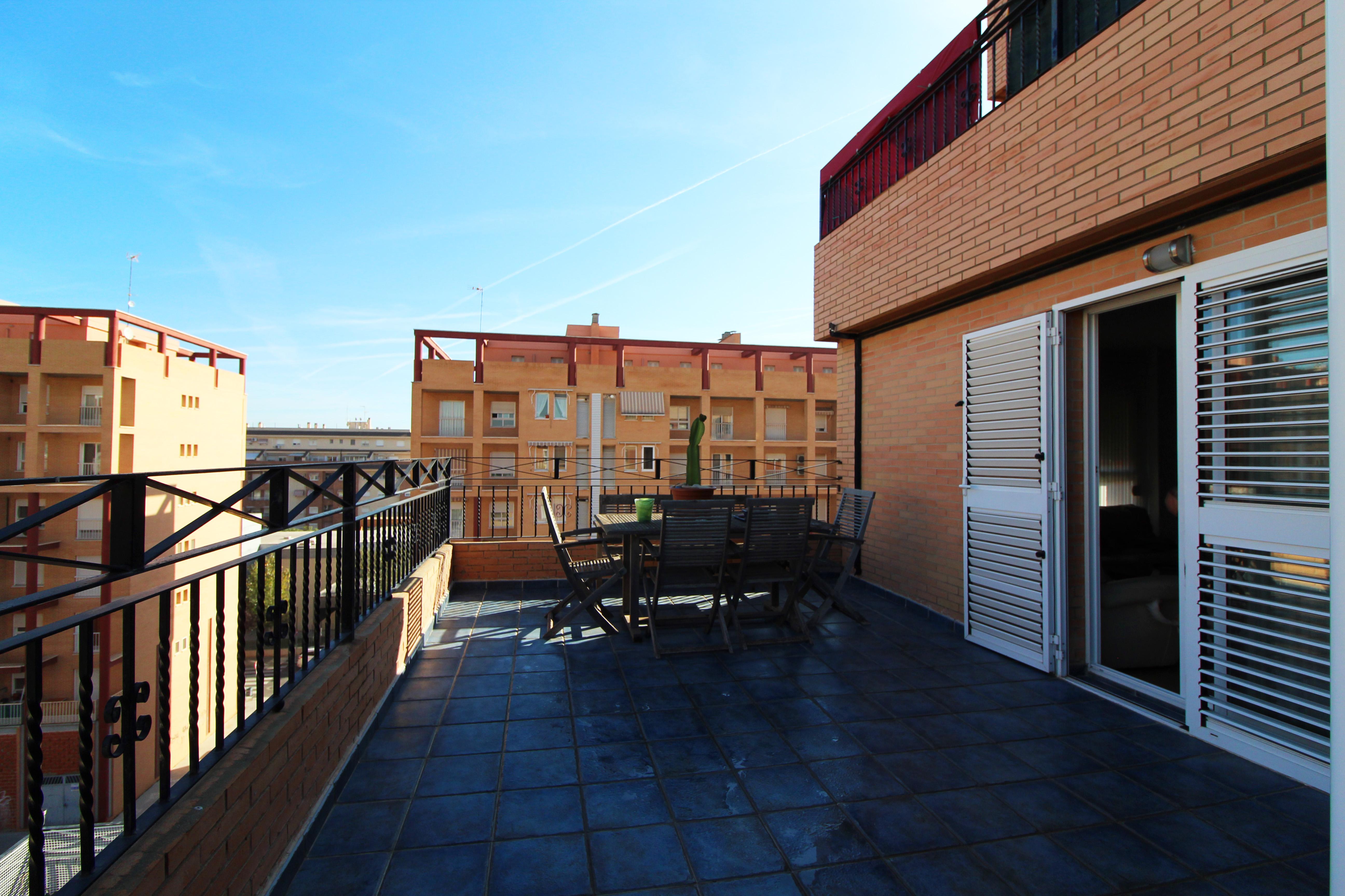 Ático con gran terraza en las 500 viviendas